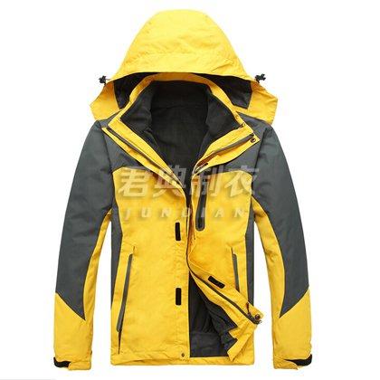 黄色款多层防水透气冲锋衣